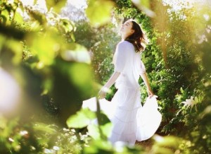 zena v lese_1_1
